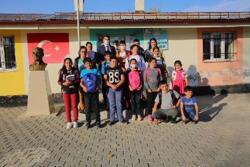 Belediyeden, köydeki öğrencilere tablet bilgisayar desteği