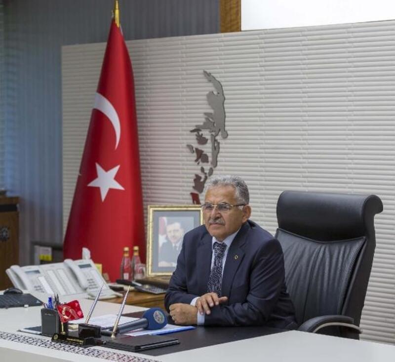 Başkan Büyükkılıç, Cumhuriyet'in 97'nci yaşını kutladı