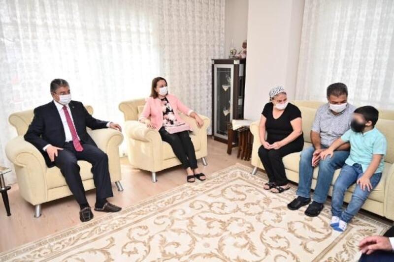 Osmaniye'de 76 çocuk koruyucu ailenin yanında