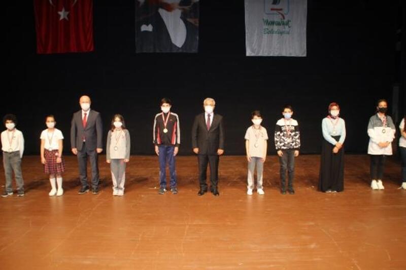 Manavgat'ta bayram kutlaması salonda yapıldı