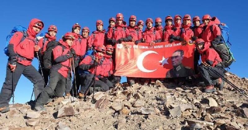 Erciyes'e cumhuriyet tırmanışı