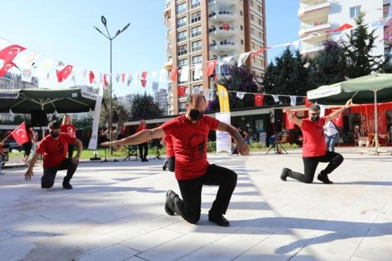 Mezitli'de 29 Ekim Cumhuriyet Bayramı, Sanat Çarşısı'nda kutlandı