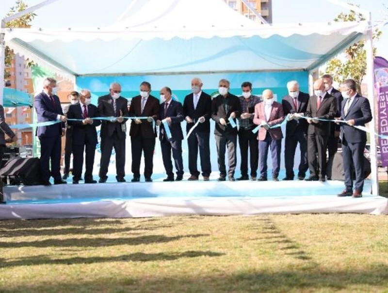 Melikgazi'de etkinlik alanı ve cami törenle açıldı
