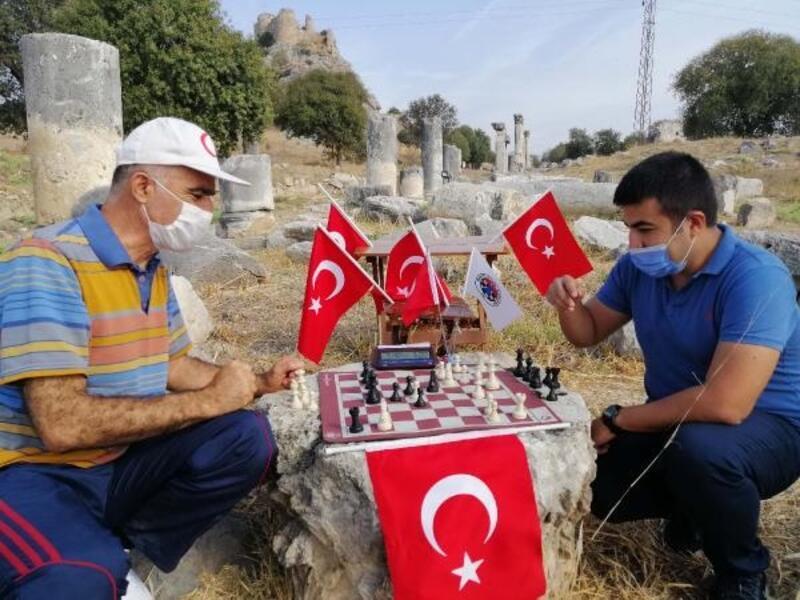 Osmaniye'nin tarihi yerlerinde satranç etkinliği