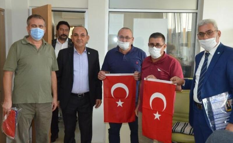 İYİ Parti'den esnafa bayrak