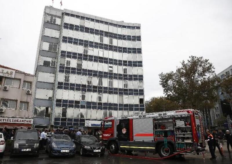 Konak Belediyesi iki hizmet binasını daha boşaltıyor