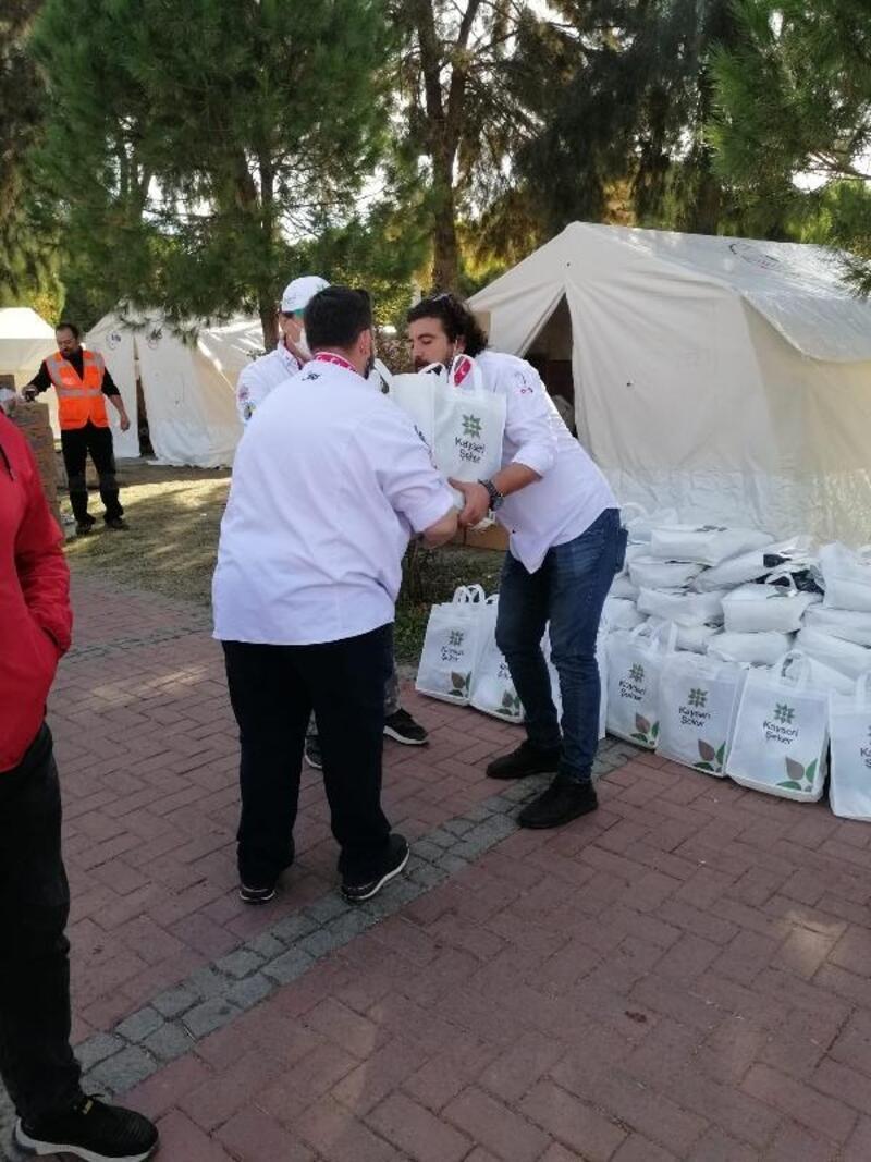Kayseri Şeker'den İzmir'e gıda yardımı