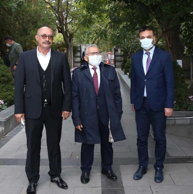 Başkan Büyükkılıç, tiyatro sanatçılarıyla buluştu