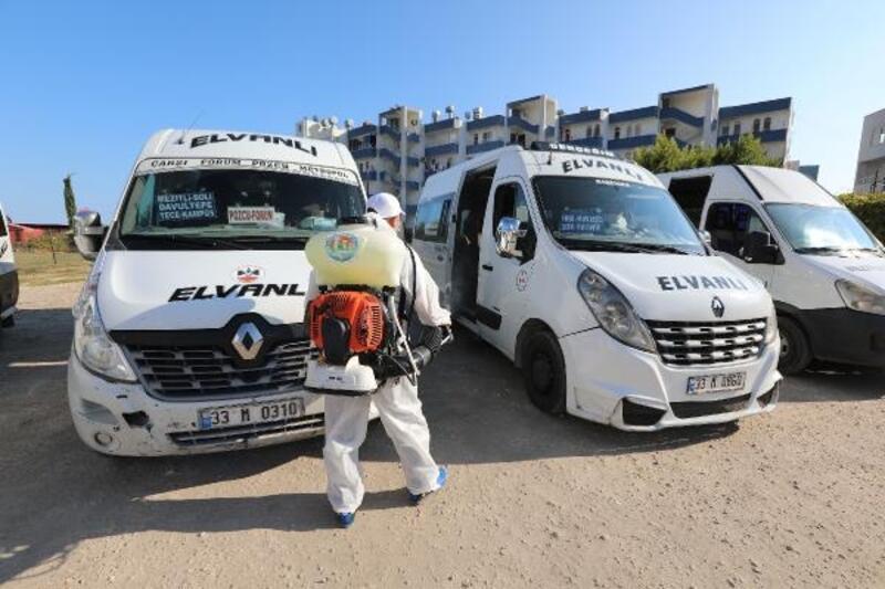 Mezitli Belediyesi toplu taşımalara yaptığı ilaçlamayı yoğunlaştırdı