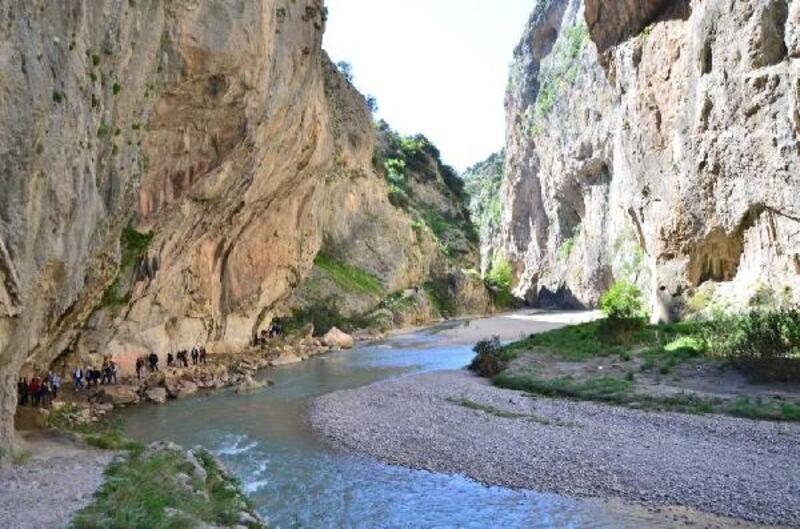 Karaisalı'nın eşsiz güzelliği Kapıkaya Kanyonu, ziyaretçi akınına uğruyor