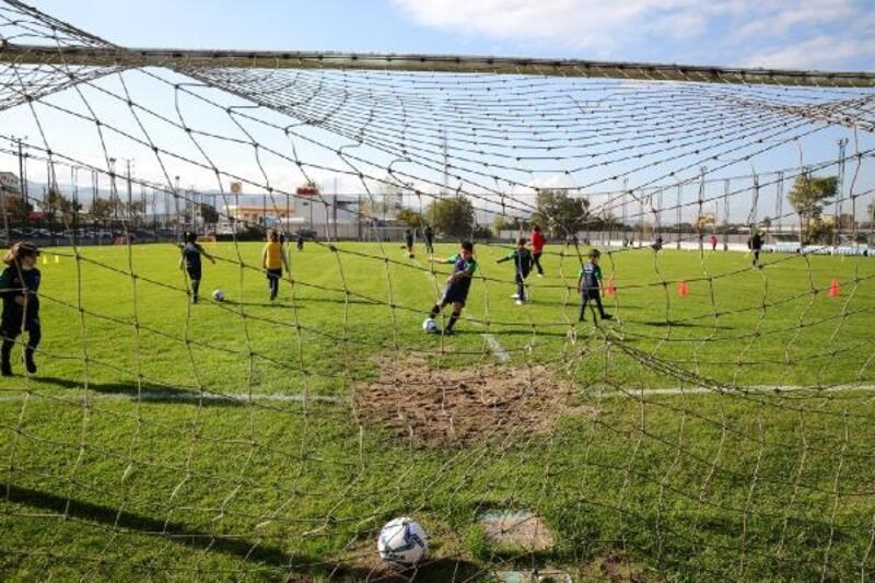 Nilüfer Belediyespor Sercan Yıldırım Futbol Akademisi açıldı