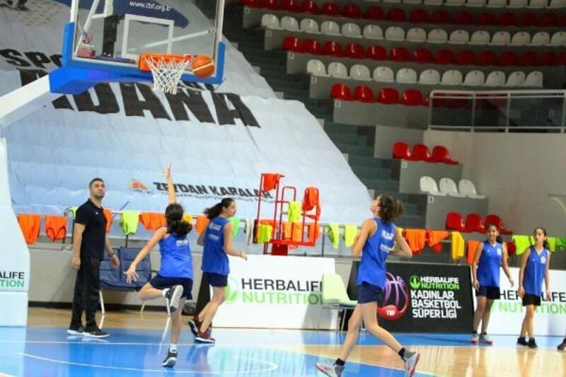 Adana Büyükşehir Belediyesi Spor Kulübü altyapıyı güçlendiriyor