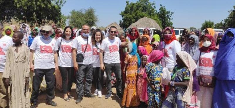 Adliye çalışanlarından Afrika'da su kuyusu