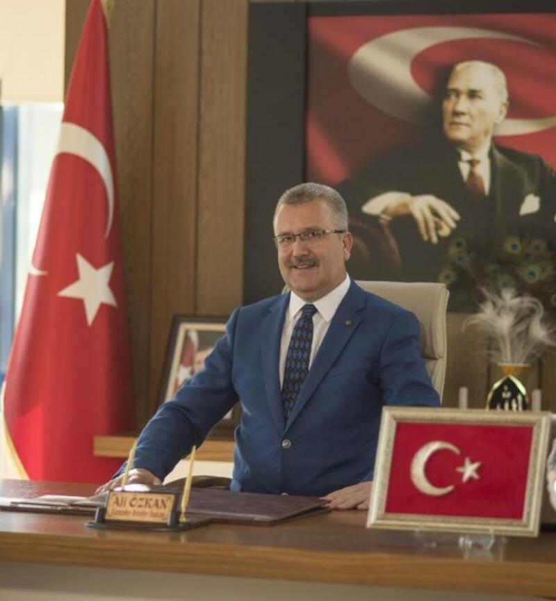 Karcabey Belediye Başkanı Özkan, 10 Kasım ile ilgili mesaj yayınladı