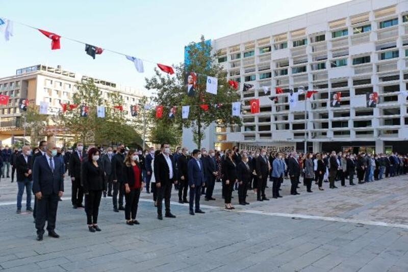 Büyükşehir personeli Ata'yı saygıyla andı