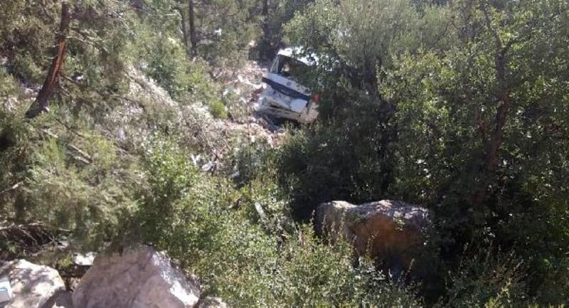 Otomobil uçurumdan yuvarlandı, sürücü öldü