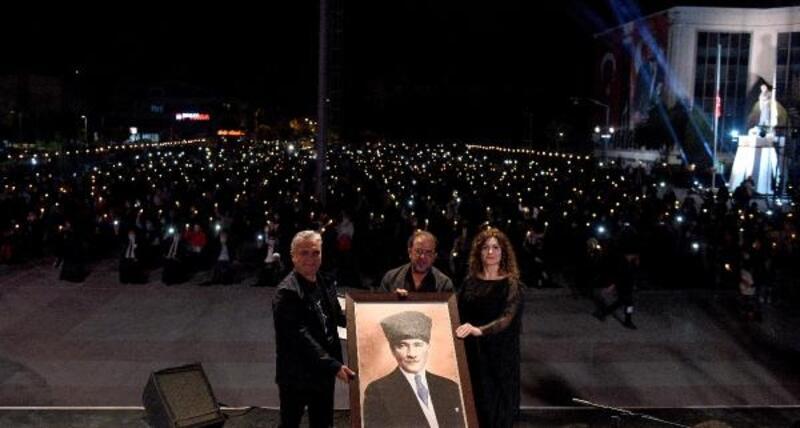 Atatürk sevgisi Antalya'yı aydınlattı
