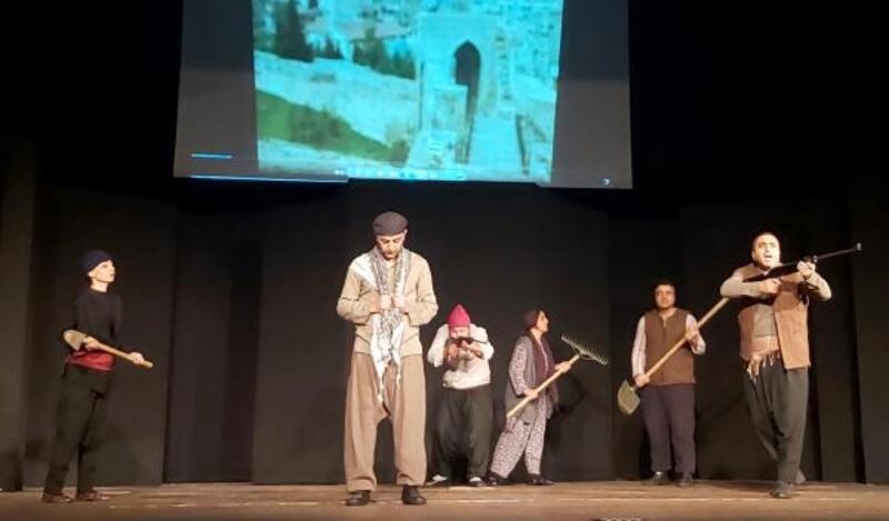 Atatürk'ün hayatı sahnede