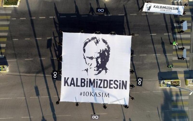 Mersin'de hayat, Atatürk için durdu