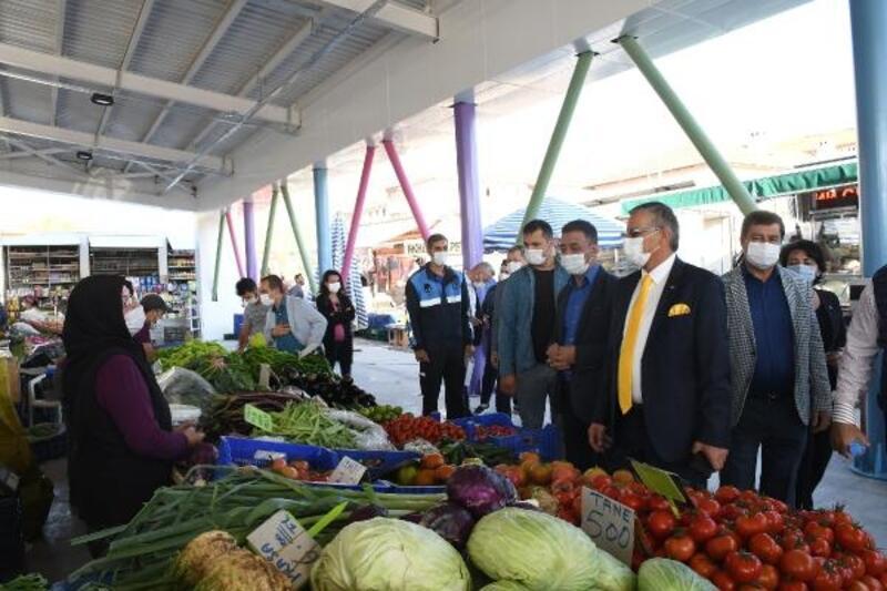 Kemer'in ilk kapalı pazar yeri açıldı