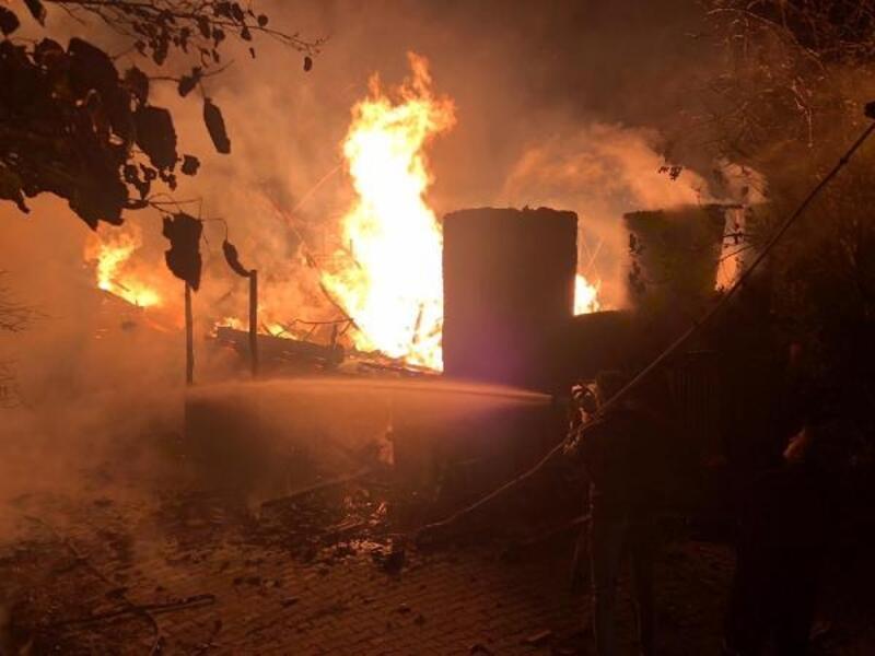 Bartın'da ahşap ev yandı