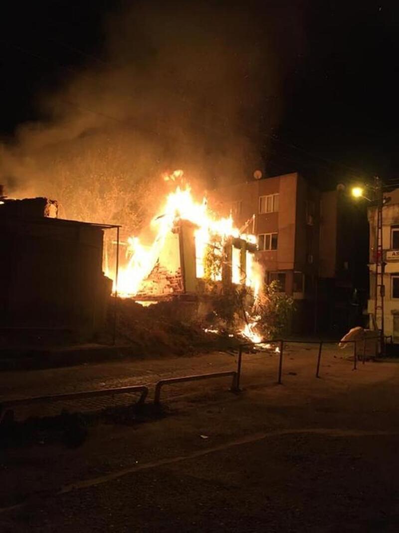 Balbey'de korkutan yangın