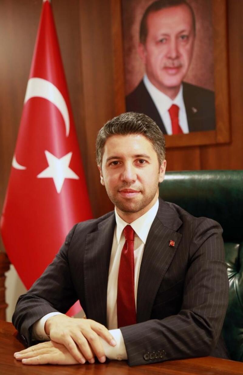 AK Parti, Adana'da 300 bin üyeyi geçti