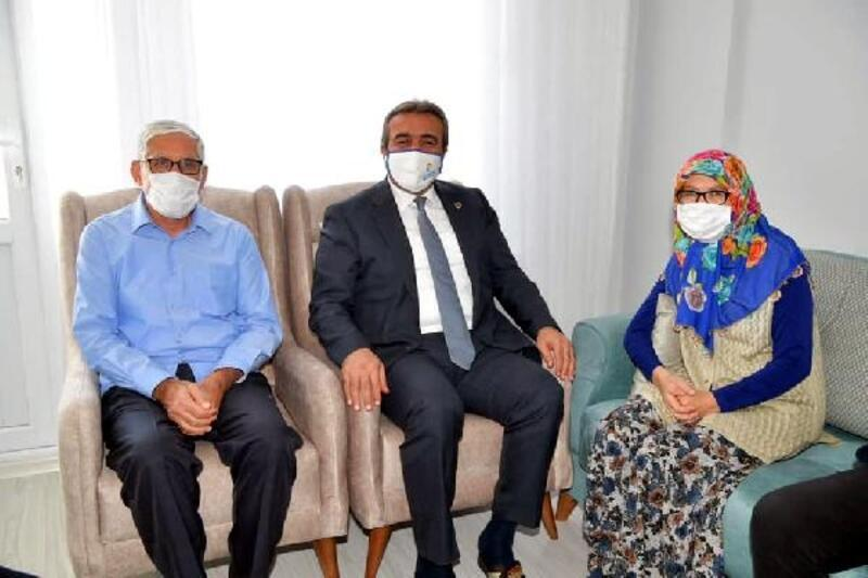 Evi yanan ailenin evi Başkan Çetin'in talimatıyla yenilendi