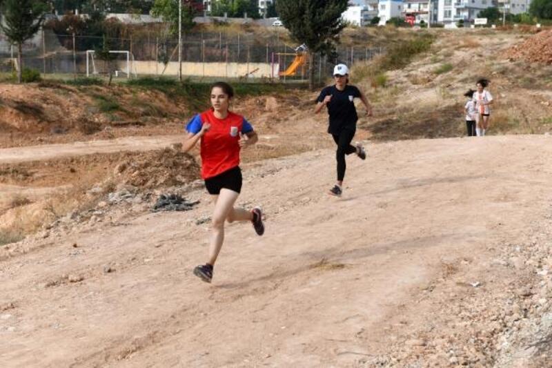 Mersin'de 2'nci Ata'yı Anma Spor Yarışmaları'na yoğun ilgi