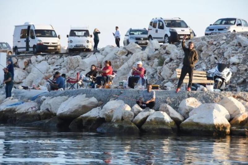 Kıyılar amatör balıkçılara kaldı
