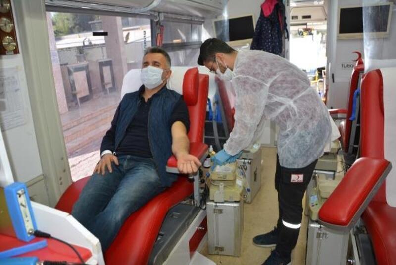 6 günde 450 ünite kan bağışı