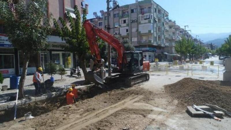Büyükşehir'den Salihli'ye 31 kilometrelik yağmur suyu hattı