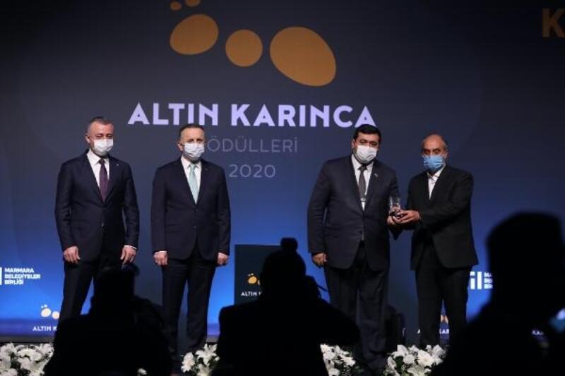 """Yıldırım Belediyesi'nin """"Anne Eli Değsin"""" Projesi'ne Altın Karınca'dan ödül geldi"""