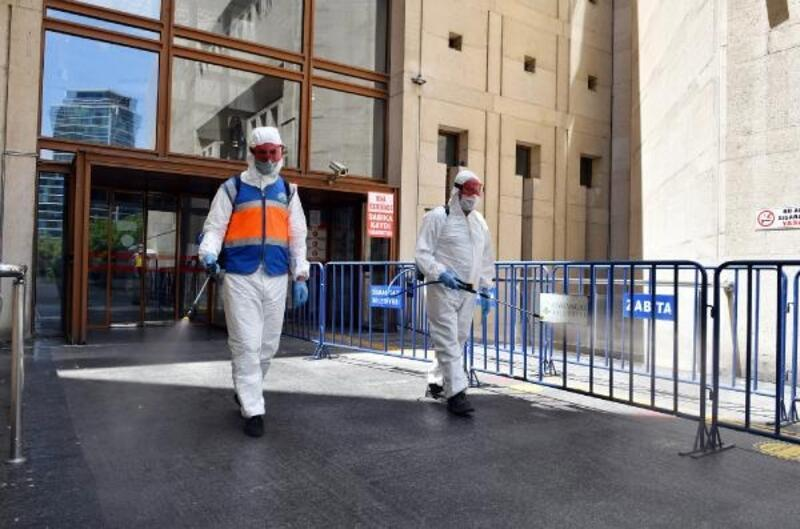 Osmangazi Belediyesi dezenfekte çalışmalarını aralıksız sürdürüyor