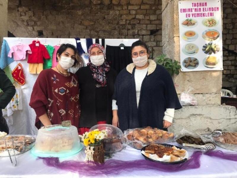 Taşhan'daki üretici kadınlar stantlarını Nisanur için açtı