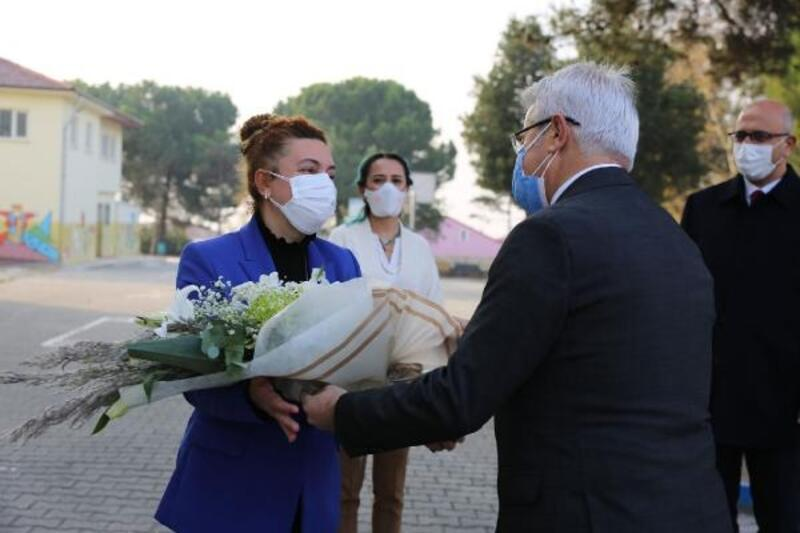 Nilüfer Belediye Başkanı Erdem'den Öğretmenler Günü kutlaması