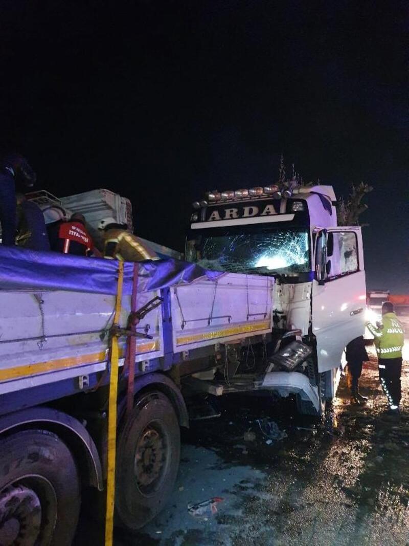 Karacabey'de zincirleme kaza: 3 yaralı