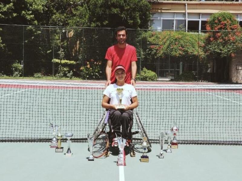 Paralimpik tenisçi Büşra Ün Tokyo Olimpiyatları yolunda