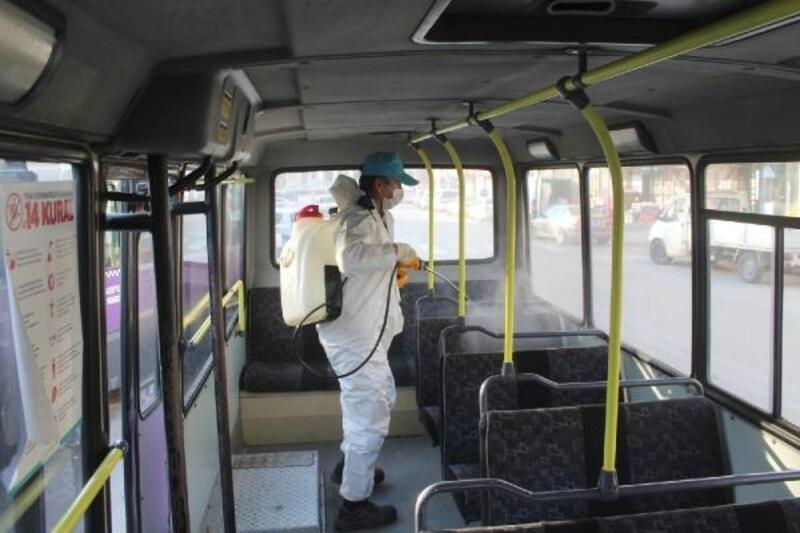 Turhal'da toplu taşıma araçları dezenfekte edildi