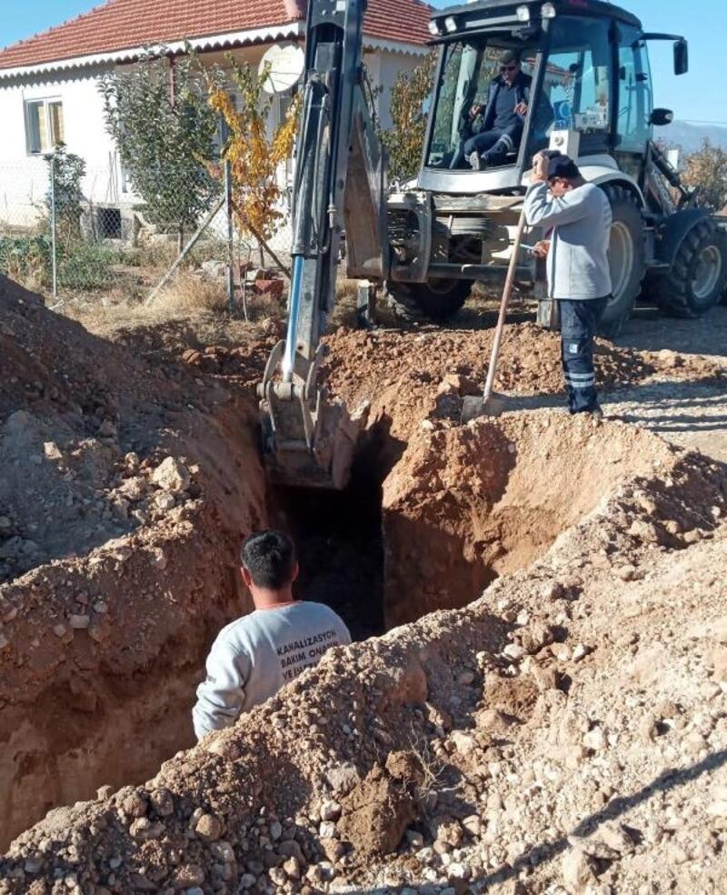 Korkuteli'nde yeni imar yolları üzerinde kanalizasyon çalışması