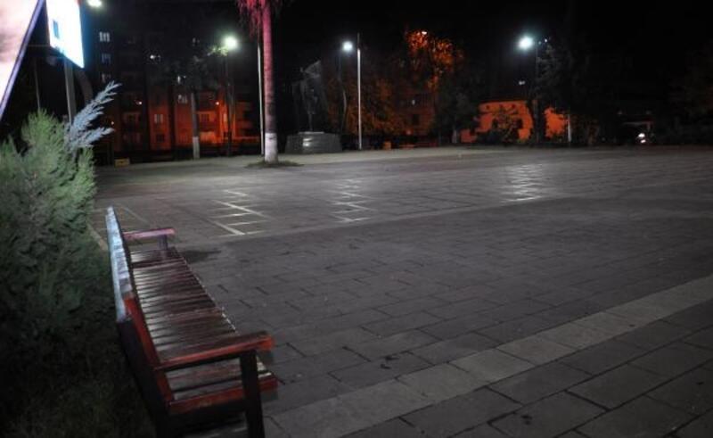 İslahiye'de meydan ve caddeler boş kaldı