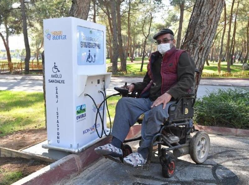Konyaaltı'nda 'akülü sandalye şarj istasyonu' dönemi