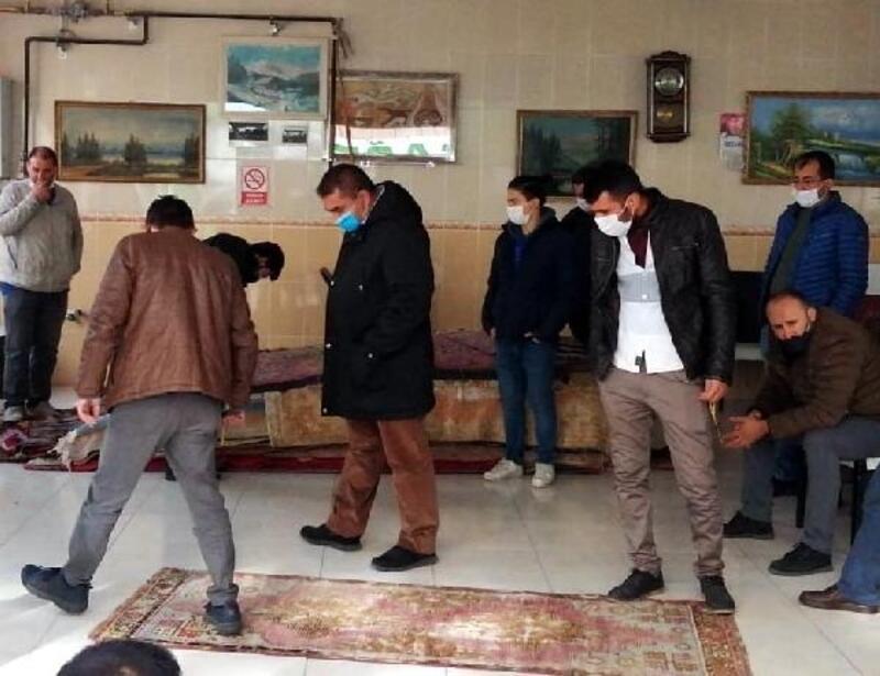 Kayseri'de, eski halılar açık artırma ile satılıyor