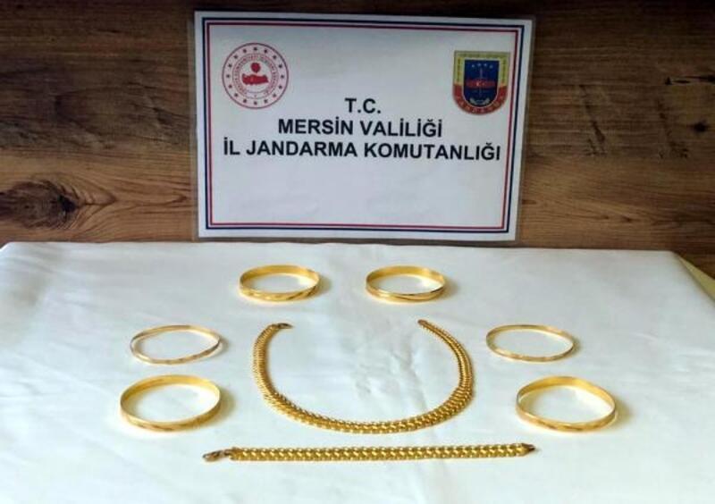 Üniversite öğrencisi kız, akrabasının altınlarını çaldı