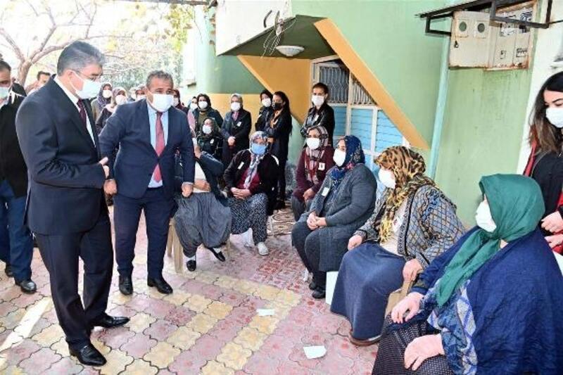 Vali Yılmaz'dan Şehit Polis Barış Göl'ün ailesine taziye ziyareti