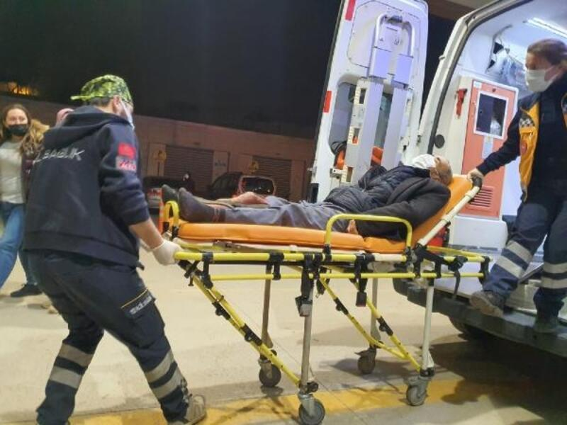 Eşeğin teptiği çiftçi yaralandı