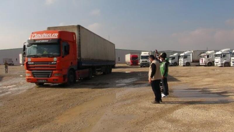 Savaş mağduru Suriyelilere yardım