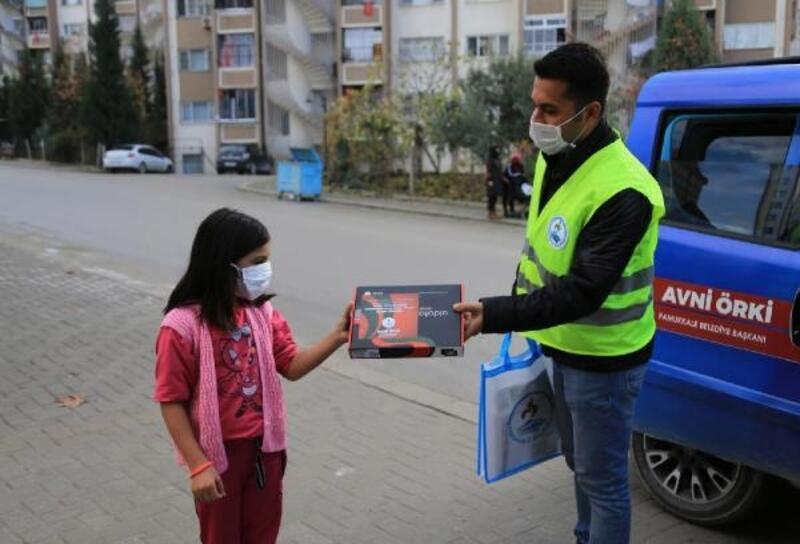 Pamukkale Belediyesi'nden öğrencilere 2 bin tablet