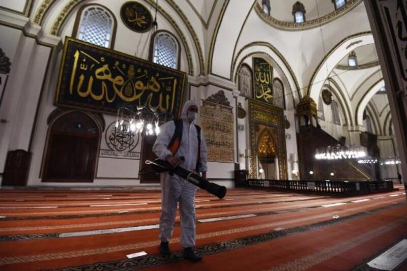 Osmangazi Belediyesi dezenfekte çalışmalarına devam ediyor