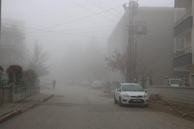Sandıklı'da sis etkili oldu